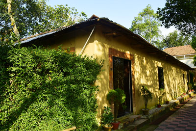 Nevem Mud House